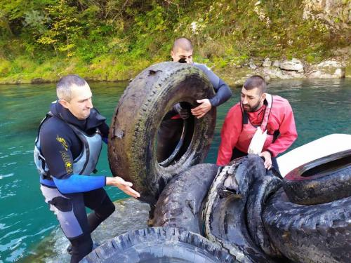 Akcija čišćenja rijeke Tare (10)