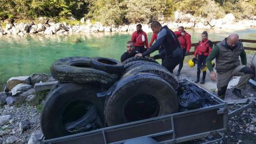 Akcija čišćenja rijeke Tare (2)